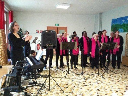 La Chorale Noisy-Liens était à la maison de retraite St-Joseph pour Noël